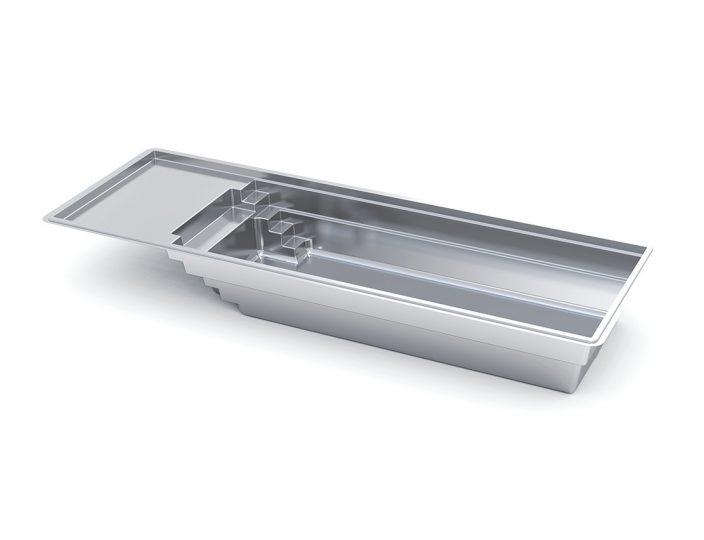 The-Freedom-with-Splash-Pad-fiberglass-pool-Imagine-Pools